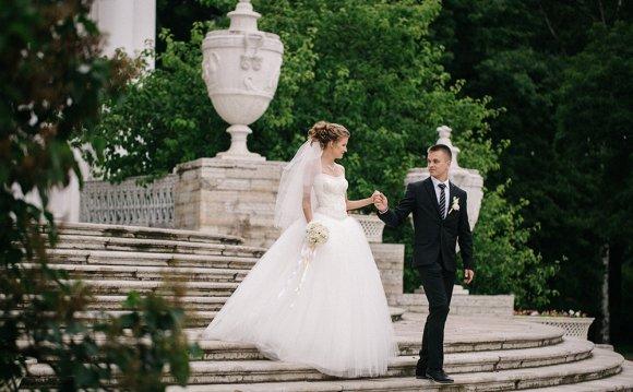 Свадебные фотографии из парка