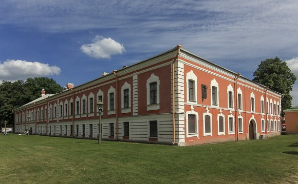 1. Музей находится в центре