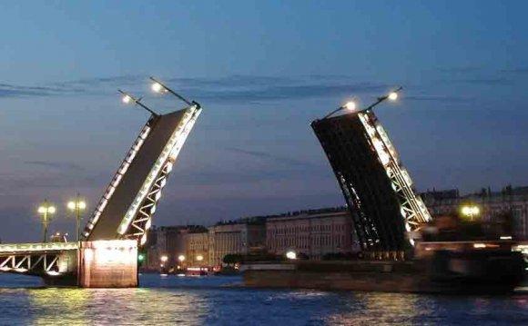 Отдых в Петербурге не оставит