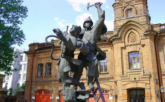 Санкт-Петербург, Памятники